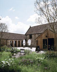 Piet Oudolf / Hauser & Wirth in Bruton, Somerset Office Images, Modern Masters, Garden Projects, Garden Inspiration, Beautiful Gardens, Modern Farmhouse, Architecture Design, Landscape Architecture, Landscape Design