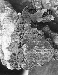 Τα θραύσματα 19 και 67 σε υπερμεγεθυμένες φωτογραφίες και φωτογραφία από τομογράφο του θραύσματος Α-2. (Images: Antikythera Mechanism Research Project; Niels Bos; Bayerische Staatsbibliothek, Rehmiana III 9)