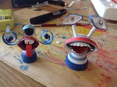Alieni fatti con tecnica quilling 3D