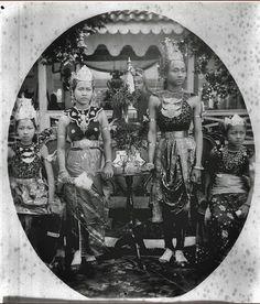 Portret van een bruidspaar uit Bantam, West-Java. ca 1900