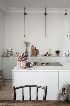 Cheap Home Decor, Home Decor Items, Home Decor Accessories, Interior Simple, Home Interior Design, New Swedish Design, Elegant Kitchens, Elegant Homes, Dining Room Design