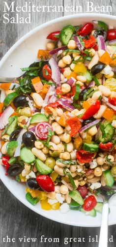 My colorful and crunchy Mediterranean Bean Salad is the perf. - Healthy foodMy colorful and crunchy Mediterranean Bean Salad is the perfect side salad ~ it'll take you through picnic and barbecue season with ease, and you'll want to make up a big b Healthy Potluck, Quick Healthy Lunch, Potluck Recipes, Healthy Lunches, Whole Food Recipes, Vegetarian Recipes, Healthy Eating, Cooking Recipes, Healthy Recipes