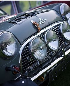 Classic Cars – Old Classic Cars Gallery Aston Martin, Fiat 600, Mini Cooper S, Retro Cars, Vintage Cars, Mini Cooper Clasico, Classic Mini, Classic Cars, Classic Style