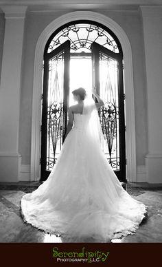 Houston Wedding photographer, houston outdoor bridal portrait photography session, Houston indoor bridal portrait, private residence portrait