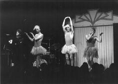 Der Linzer Posthof wird 30 Jahre jung - Ein Rückblick:  24. November 1984: Die Comedy Company Pigeon Drop unterhielt das Publikum mit Clownerien, Slapstick, Pantomime, Artistik und Rock'n'Roll. Mehr dazu hier: http://www.nachrichten.at/nachrichten/kultur/Der-Posthof-wird-30-Jahre-jung;art16,1483954 (Bild: Peter Wurst)