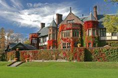 Built by architect Robert Henderson Robertson in 1903 for Robert and Marie Louise Paterson, the Berkshires' Blantyre opened as a hotel in 1981