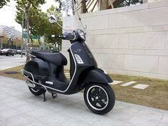 Fancy - Matte Black Vespa GTS 300 Super Sport