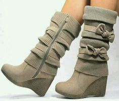 Brown Heel Boots w/ Bows