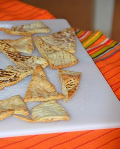 heart healthy dinner recipes for two party invitations recipes Easy Homemade Snacks, Baked Pita Chips, Good Food, Yummy Food, Appetizer Recipes, Appetizers, Healthy Snacks, Food And Drink, Tasty