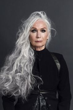 Here are best ideas for Older Women,Long Hairstyles , hairstyles for grey hair ideas in older women hairstyles in case you prefer to cover the grays.