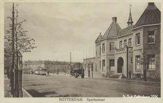 De Spartastraat met rechts het kasteel van voetbal club Sparta Sparta Rotterdam, Holland, History, City, Painting, Outdoor, Van, Vintage, The Nederlands