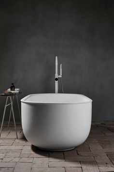 A look at Norm Architects' brand new 'Prime' bathroom suite, designed for Spanish brand Inbani and influenced by antique metal tubs. Modern Bathroom Decor, Bathroom Spa, Bathroom Interior Design, Bathroom Stuff, Downstairs Bathroom, Bathroom Ideas, Architecture Design, Copenhagen Design, Metal Tub