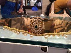 Gold Jewelry Making Waist Jewelry, Mom Jewelry, Jewelry Model, India Jewelry, Jewelry Making, Vaddanam Designs, Gold Jewellery Design, Choker, Bangles