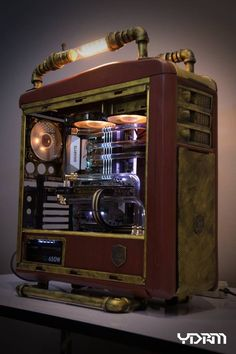 The Gamer Xtreme gaming PC is a fine example of the hard-won standing of CyberPowerPC in the gaming community. Gaming Computer Setup, Gaming Pc Build, Computer Build, Gaming Pcs, Pc Cases, Mac Book, Robots Steampunk, Case Mods, Custom Computer Case