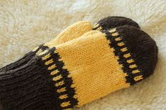 Pia Tuonosen neuleblogi: Da Capo-lapaset Knitted Hats, Beanie, Knitting, Fashion, Sink Tops, Moda, Tricot, Fashion Styles, Breien