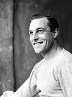 Gods and Foolish Grandeur: Gene Kelly, photographs by Alfred Eisenstaedt for Life Magazine, 1949 Hollywood Actor, Hollywood Actresses, Old Hollywood, Classic Hollywood, Star Show, Old Movie Stars, Gene Kelly, Ali Larter, Singing In The Rain