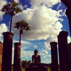 Espectacular el Templo de los Tres Budas en #Inwa. Yadana Hseemee Pagoda. #myanmartrip #mochileros