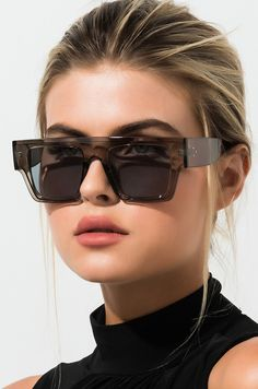 Designer Sunglasses for Women. Checkout the Best Sunglasses to Match with Your Outfit. Stylish Sunglasses, Cheap Sunglasses, Oversized Sunglasses, Sunglasses Women, Gold Sunglasses, Sunglasses For Your Face Shape, Baseball Sunglasses, Fashion Eye Glasses, Estilo Fashion