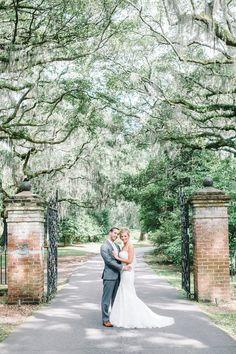 Wedding at Legare Waring House - Charleston Weddings - Photo by Aaron and Jilian Photography