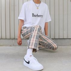 Discover Our Streetwear Chest Bag⬇️ streetwear highsnobiety fashion street styles urban aesthetic outfits men women sneakers hypebeast nyc mens fashion one dapper street style tips marcel floruss outfit inspiration nyc male fashion bl Retro Outfits, Mode Outfits, Vintage Outfits, Fashion Outfits, Fashion Sets, Fashion Advice, Girl Outfits, Stylish Mens Outfits, Casual Outfits