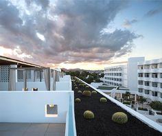 Hotel Cala Esmeralda – Unusual Fusion of Classical, Modern and Spicy