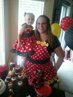 Minnie Mouse Party apron ohhhhh @Vanessa Samurio Samurio Campbell