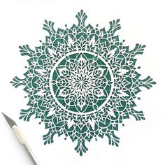 Mandala Stencils, Mandala Painting, Mandala Art, Fabric Painting, Diy Paper, Paper Art, Paper Crafts, Paper Cutting Patterns, Cut Out Art