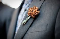 бутоньерка, сосновую шишку бутоньерки, зимние свадьбы, зимой вдохновения, деревенский вдохновения