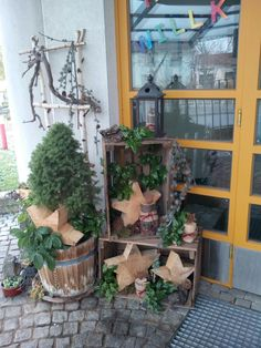 - Christmas decoration balcony - Agli - Quick, Easy, Cheap and Free DIY Crafts All Things Christmas, Christmas Time, Christmas Crafts, Christmas Decorations, Holiday Decor, Xmas, Outdoor Christmas, Rustic Christmas, Decor Inspiration