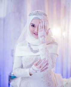 Deadly Mistake Uncovered On Malay Wedding Dress Hijab Muslim And How To Avoid It 96 Muslim Gown, Muslim Wedding Gown, Malay Wedding Dress, Muslimah Wedding Dress, Muslim Wedding Dresses, Muslim Brides, Wedding Hijab, Wedding Party Dresses, Muslim Hijab