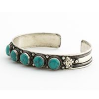 5 genuine turquoise stones on silver cuff with embossed detailing. Vintage Turquoise Jewelry, Turquoise Cuff, Turquoise Bracelet, Turquoise Stone, Silver Jewelry, Ethnic Jewelry, Bohemian Jewelry, Indian Jewelry, Bohemian Bracelets
