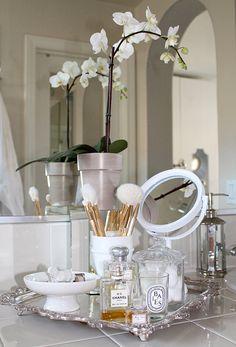 이미지 출처 http://bestfriendsforfrosting.com/wp-content/uploads/2014/05/how-to-style-the-bathroom-vanity.jpg