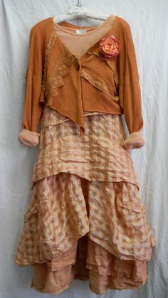 at Kati koos - LOVE the skirt Mode Shabby Chic, Boho Chic, Mode Hippie, Mode Boho, Mori Girl Fashion, Boho Fashion, Boho Outfits, Vintage Outfits, Romantic Outfit