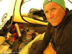 Ralf Dujmovits Everest 2014 ©Ralf-Dujmovits.de