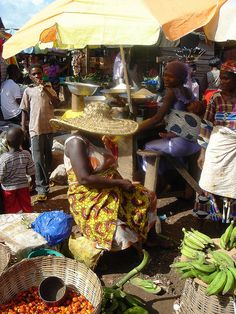 Vendors in the Marketplace, Ghana. Photo: IFPRI-IMAGES, via Flickr