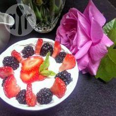 Power bowl au yaourt et aux fruits @ allrecipes.fr