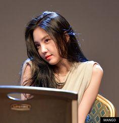 Apink Naeun, Pink Panda, Uzzlang Girl, Grunge Girl, Cute Asian Girls, Portrait Photo, Girl Crushes, Asian Style, Girl Power