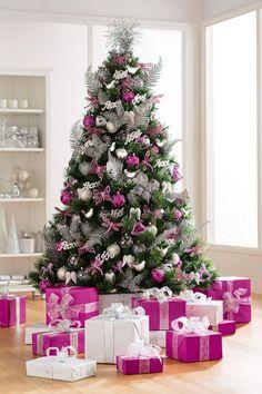 Cosy Christmas, Christmas Tree Design, Gold Christmas Tree, Beautiful Christmas Trees, Christmas Baubles, Christmas Colors, Xmas Tree, All Things Christmas, Christmas Home