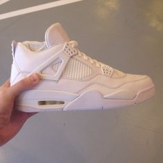 Air Jordan IV 4 All-White Sample