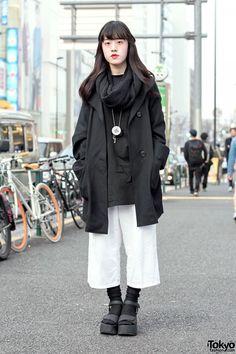 Monochrome Resale Style w/ Culottes & Platform Sandals in Harajuku (Tokyo Fashion, 2015)