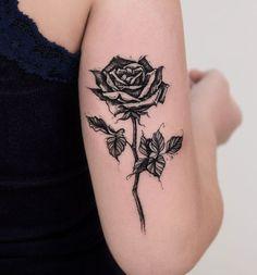 Resultado de imagem para tatuagem rosa realista