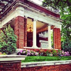 Kansas City, Missouri - Loose Mansion