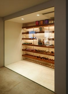 Madeira Wine Cellar: Discover the Models and Incredible Environments .- Adega de Madeira: Conheça os Modelos e Ambientes Incríveis Madeira Wine Cellar: Discover the Models and Incredible Environments -
