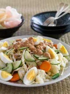 Indonesian Gado Gado aka Steamed vegetable salad (World Kitchen) Best Of Bali, Asian Recipes, Healthy Recipes, Gado Gado, Recipe Details, Indonesian Food, Vegetable Salad, 4 Life, Cobb Salad