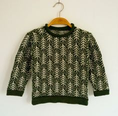 Another stunningly beautiful creation from Pamela Cruse. A stickmanikers logbook: Small sweater with frosty trees Knitting For Kids, Baby Knitting, Knitting Charts, Knitting Patterns, Short Bebe, Icelandic Sweaters, Knitwear Fashion, Fair Isle Knitting, Hand Knitted Sweaters