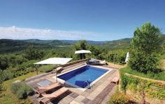 Holiday home Cernehov Brijeg bb VI Cernehov Brijeg Situated in Bartoli?i, this holiday home features a terrace and a garden with an outdoor pool and a year-round outdoor pool. The property is 34 km from Trieste and free private parking is featured.