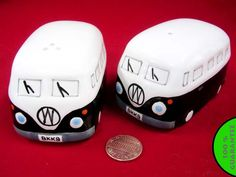 VW van salt and pepper shakers