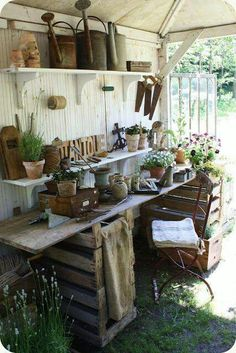 Shabby Chic Potting Shed. this is what I want the inside of my garden shed to look like! Shabby Chic Potting Shed. this is what I want the inside of my garden shed to look like! Garden Deco, Garden Tools, Garden Sheds, Garden Shed Interiors, Herbs Garden, Gardening Vegetables, Garden Art, Garden Games, Garden Crafts