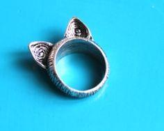 Cat's ears ring
