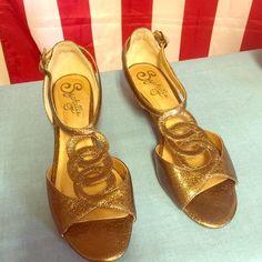 Leather plush Seychelles gold sandals size 61/2 Leather Seychelles gold sandals size 6 1/2 Seychelles Shoes Sandals